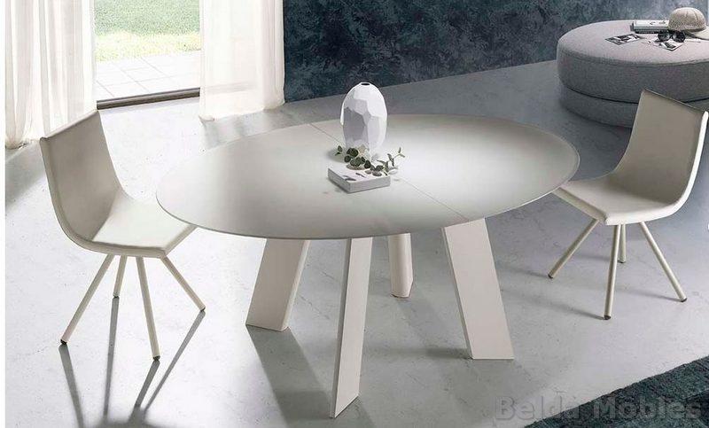 Mesa y sillas modernas 11 muebles belda for Mesas y sillas modernas