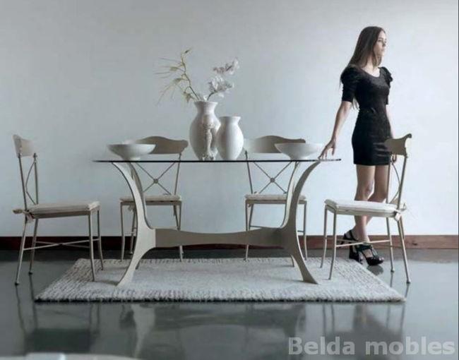 Mesa y sillas contempor neas 11 muebles belda for Mesas y sillas de forja