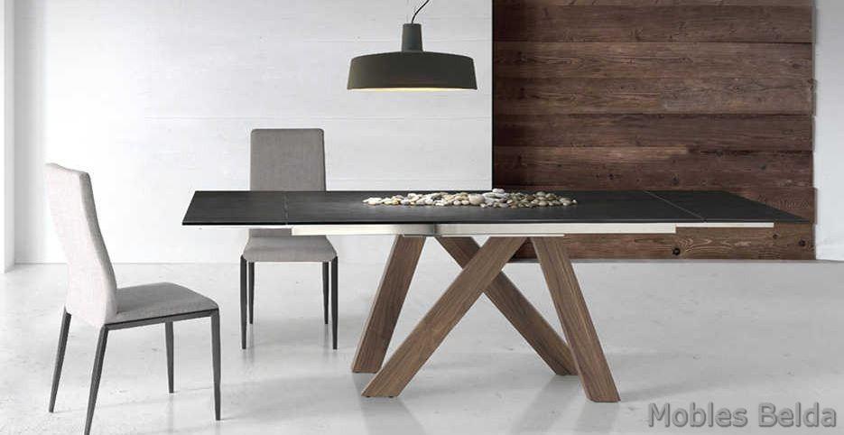 Mesa y sillas modernas 40 muebles belda for Mesas y sillas modernas