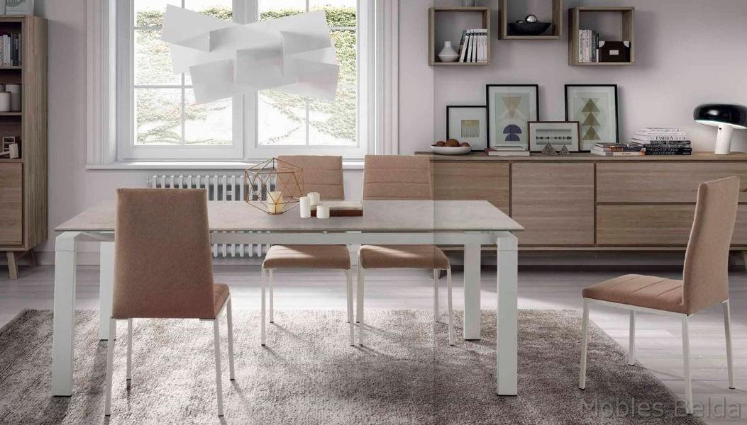 Mesa y sillas modernas 46 muebles belda for Mesas y sillas modernas